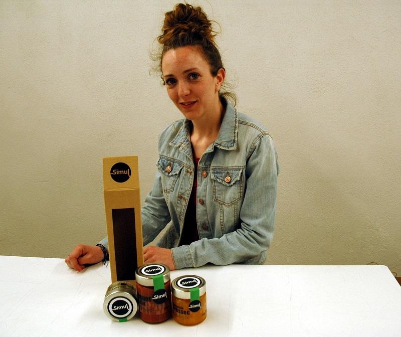 Gemma Roig, guanyadora de la 1a beca Amunt.Ebre - Esardi pel disseny del packaging de la marca Simul. Foto: Amunt.Ebre